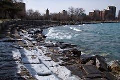 Chicago lakeshore aan zuidenkant van Meer Michigan op een ijzige de winterdag Stock Foto's
