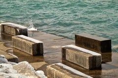 Chicago lakeshore på södra sida av Lake Michigan på en frigid vinterdag arkivbilder
