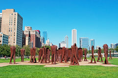 Chicago: linia horyzontu i agora rzeźbimy Magdalena Abakanowicz w Grant parku na Wrześniu 22, 2014 Zdjęcie Royalty Free