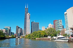 Chicago: looking up at skyline and Willis Tower from a canal cruise on Chicago River on September 22, 2014 Royalty Free Stock Photos