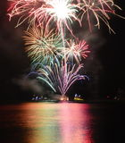 Chicago, los E 1 de enero de 2017 Fuegos artificiales en el embarcadero de la marina de guerra al welcom Fotografía de archivo libre de regalías