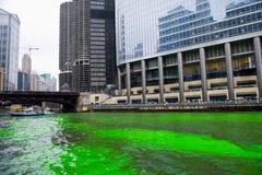 Het verven van de Rivier van Chicago Stock Afbeelding