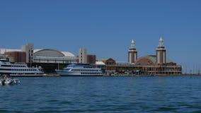Chicago-Marine-Pier ist ein populärer Markstein am Michigansee stock video