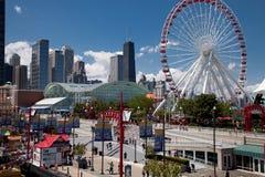 Chicago-Marine-Pier am sonnigen Tag Stockfoto
