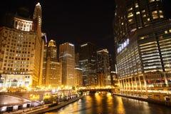 Chicago-Nacht lizenzfreies stockbild