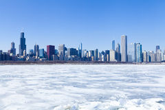 Chicago panorama i vinter arkivfoto