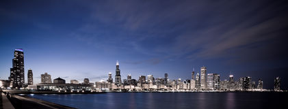 Chicago panoramisch bij nacht Royalty-vrije Stock Foto