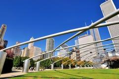 Chicago Pritzker paviljong och stad Royaltyfri Fotografi