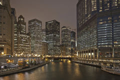 Chicago River Nacht Stockbild