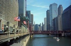 Chicago River och dragningar Royaltyfri Fotografi