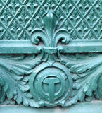 Chicago River symbol och fleur de lis arkitektonisk detalj royaltyfri foto