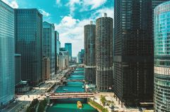Free Chicago River With Boats From Above Stock Photography - 136012992