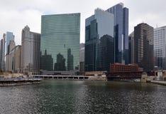 Chicago River Y Fotografie Stock Libere da Diritti