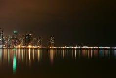 Chicago-Seeseite nachts Lizenzfreie Stockbilder