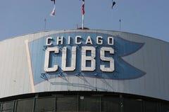 Chicago - September 2008: Chicago Cubsstort festtält på Wrigley fält I Fotografering för Bildbyråer