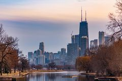 Chicago Skyline from the South Lagoon in Lincoln Park royalty free stock photos
