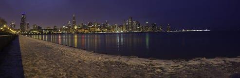 Chicago-Skyline bis zum Nacht Lizenzfreie Stockfotografie