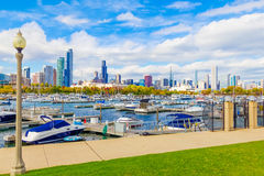 Chicago skyline, boats and Lake Michigan, Ill (P) Royalty Free Stock Photos
