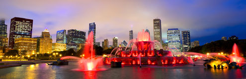 Chicago skyline and Buckingham Fountain. Chicago skyline panorama with Buckingham fountain in Grant Park at night, USA Stock Photography