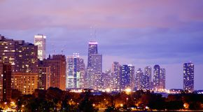 Chicago skyline at night Royalty Free Stock Photos
