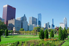 Chicago: skyline and sculptures in the shape of flower at Grant Park on September 22, 2014 Royalty Free Stock Photography
