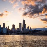Chicago-Skyline am Sonnenuntergang Lizenzfreies Stockbild