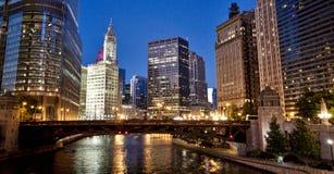 Chicago stadsmitt vid natt Arkivfoton