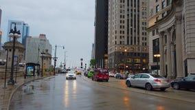 Chicago-Straßenansicht durch Regen - CHICAGO, USA - 12. JUNI 2019 stock video