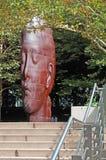 Chicago: treden en beeldhouwwerk 1004 Portretten door Jaume Plensa in Millenniumpark op 23 September, 2014 stock fotografie
