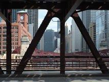 Chicago under bron Arkivbild