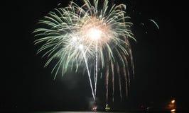 Chicago, USA 1. Januar 2017 Feuerwerke am Marine-Pier zum welcom Lizenzfreie Stockfotos