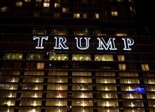 Chicago USA - Juni 06, 2018: Hotell & torn för trumf internationellt Arkivbilder