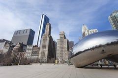 CHICAGO, usa - KWIECIEŃ 02: Obłoczna bramy i Chicago linia horyzontu na Kwietniu Zdjęcie Stock