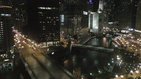 Chicago van de binnenstad bij Nacht stock videobeelden