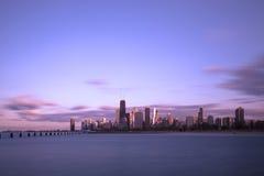 Chicago van de binnenstad bij zonsondergang Royalty-vrije Stock Foto's
