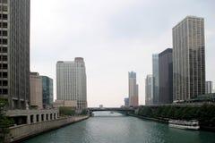 Chicago - Wolkenkrabbers en Rivier Stock Foto