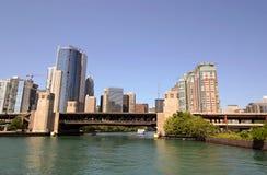 Chicago y río de Chicago Imagen de archivo libre de regalías