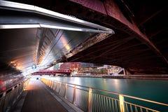 Chicagowski śródmieście pod mostem obrazy stock