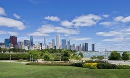 Chicagowski linii horyzontu i jachtu schronienie Obrazy Royalty Free
