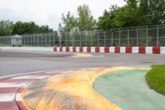 Chicane la parete d'avvicinamento dei campioni sul circuito Gilles Vill fotografia stock