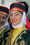 Chicas jóvenes de Turquía en el traje tradicional 1 Imagen de archivo