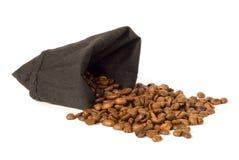 Chicchi di caffè arrostiti scuri Fotografia Stock