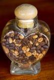 Chicchi di caffè in barattolo di vetro Fotografia Stock Libera da Diritti