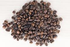 Chicchi di caffè bio- immagini stock