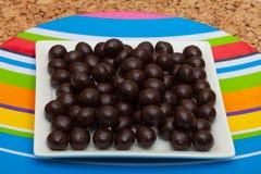 Chicchi di caffè coperti di cioccolato del caffè espresso Immagini Stock Libere da Diritti