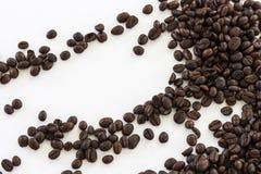 Chicchi di caffè dell'isolato di immagine per uso come fondo Immagine Stock Libera da Diritti
