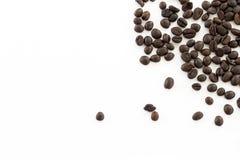Chicchi di caffè dell'isolato di immagine per uso come fondo Fotografia Stock Libera da Diritti