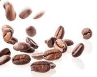 Chicchi di caffè di volo Fotografia Stock Libera da Diritti