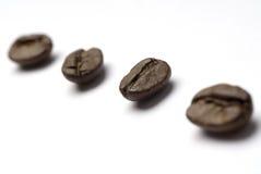 Chicchi di caffè diagonali Fotografie Stock Libere da Diritti