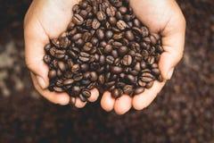 Chicchi di caffè e sapone del caffè casalingo Fotografia Stock